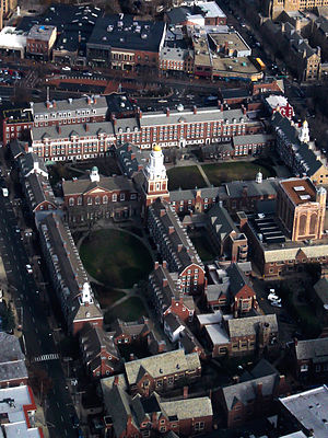 Residential colleges of Yale University - The campuses of Davenport College (above) and Pierson College (below), Yale's two Georgian Revival colleges