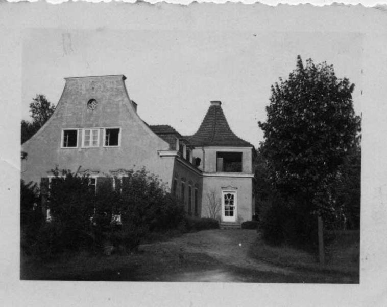 בניין החווה בצנרוד, גרמניה  1923-1927