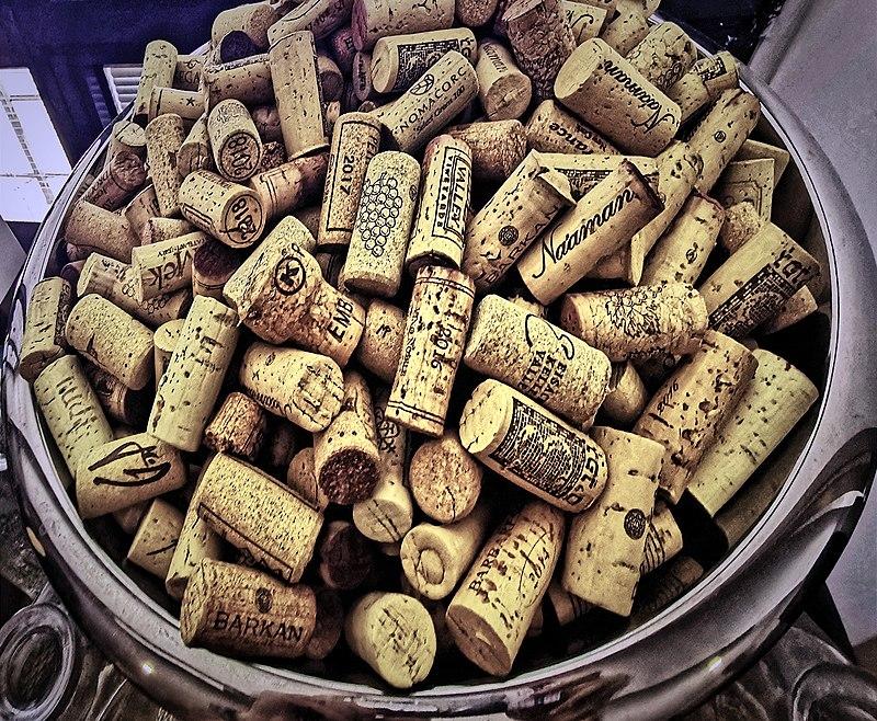 אוסף פקקי בקבוקי יין