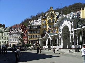 Karlovy Vary District - Image: Platz in Karlsbad