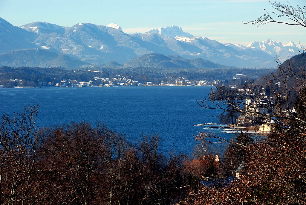 Sonne, Alpen, Wörthersee (Quelle: Wikipedia. Foto: Johann Jaritz. Lizenz: CC BY-SA 3.0)
