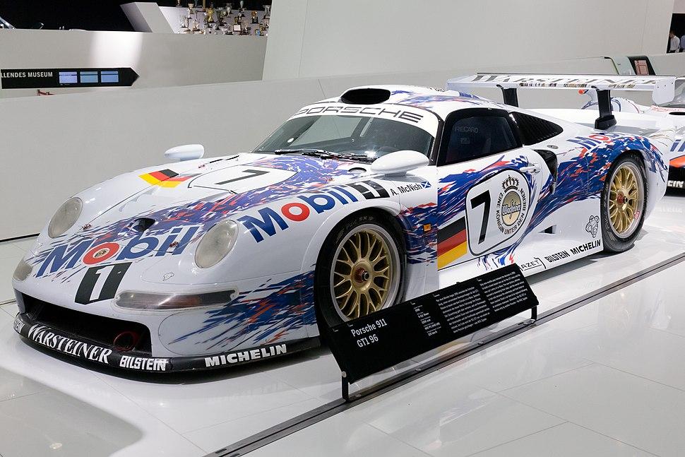 Porsche 911 GT1-96 front-left Porsche Museum