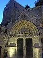 Portique de l'église monolithe de Saint-Émilion.jpg