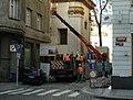 Praha, Nové město, Lazarská, výstavba výtahu.jpg