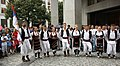 Praha, Staré Město, Prašná brána, srbští tanečníci III.JPG