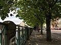 Praha, Staré Město, Smetanovo nábřeží, chodník 01.jpg