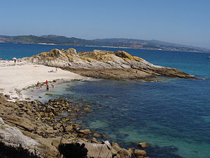 English: Beach of Wines, in Cíes Islands, Pont...