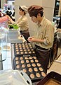 Preparing food in Seoul, Korea - DSC00743.JPG
