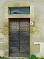Pressac, porte de la maison de religieuses.jpg