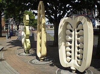 Riverside, Cardiff - Public art on Fitzhamon Embankment