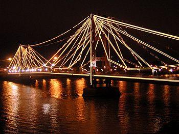 Puente-colgante-santa-fe-argentina-vista-nocturna