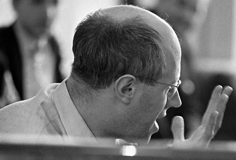 File:RIAN archive 6560 Professor Mstislav Rostropovich.jpg