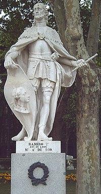 Estatua de Ramiro II en la Plaza de Oriente de Madrid. Esculpida en piedra blanca por Philippe Boiston entre 1750 y 1753.