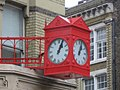 Red clock - geograph.org.uk - 1112130.jpg