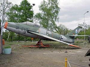 Republic F-84F Thunderstreak DF+240, Alliierte in Berlin pic2.JPG