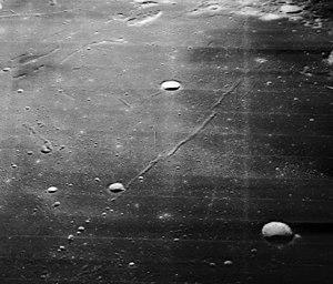 Secchi (lunar crater) - Image: Rima Messier 5042 med