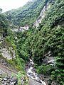 Riu Gocta i camí cap a la segona caiguda02.jpg