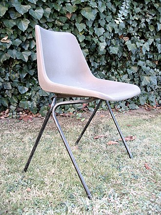 Hille (furniture) - Hille polypropylene chair (1963), designed by Robin Day