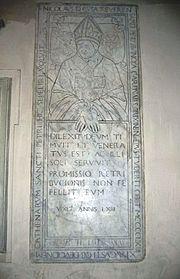 Náhrobek v kostele San Pietro in vincoli v Římě 59b5b993f4
