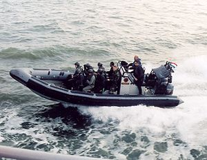 Netherlands–United Kingdom relations - Dutch Marines in a British made Rigid-hulled inflatable boat
