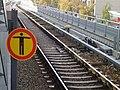 S-Bahnhof Berlin-Wedding, Gleis und Stromschiene.jpg