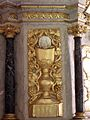 Saint-Brieuc-des-Iffs (35) Église Maître-autel 05.jpg
