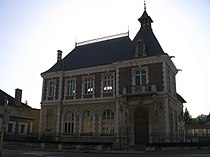 Saint-Florentin (Yonne) - Town hall.jpg