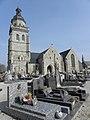 Saint-Gilles-Pligeaux (22) Église 01.JPG