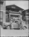 San Pedro, California. Military police give advice to evacuees of Japanese ancestry as the last lea . . . - NARA - 536775.tif