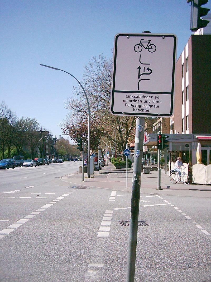 Schild Linksabbieger Hamburg.jpg