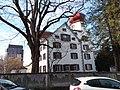 Schlösschen St. Fiden, Ostfassade, Links im Hintergrund das Kantonsspital St. Gallen.jpg