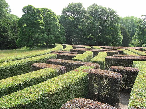 Scone Palace Grounds, The Murray Star Maze 01