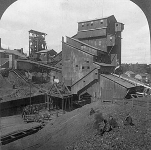 English: Coal breaker at an anthracite coal mi...