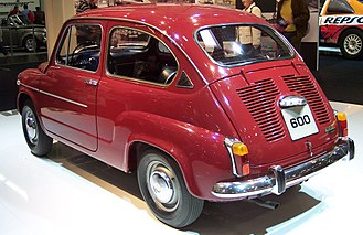 SEAT 600 - Last series 1973 SEAT 600 L Especial. For model identification purposes, note the triangular black air vent in the C-Pillar, specific for the L Especial. This was the last model for the last year run