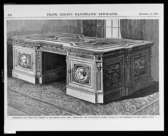 Resolute desk - Secretaire made from the timbers of the British Arctic ship Resolute
