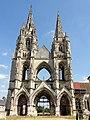 Soissons (02), abbaye Saint-Jean-des-Vignes, abbatiale, vue depuis l'ouest.jpg