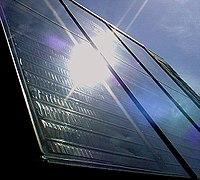Bir güneş enerjisi paneli
