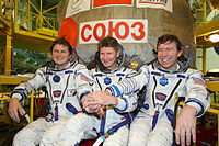 http://upload.wikimedia.org/wikipedia/commons/thumb/8/8c/Soyuz-TMA-14-Crew-Photo.jpeg/200px-Soyuz-TMA-14-Crew-Photo.jpeg