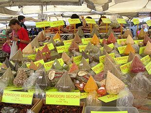 Spezie al mercato di Campo de' Fiori, Roma