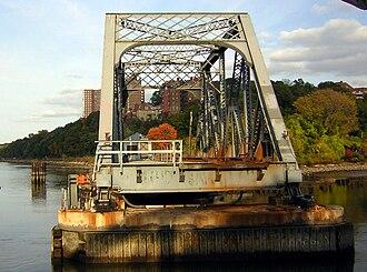 West Side Line (NYCRR) - Spuyten Duyvil Bridge, Bronx end, when the swing is open