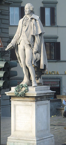 Monument to Goldoni in Florence (sculpted by Ulisse Cambi) (Source: Wikimedia)