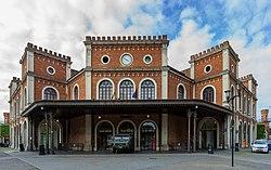 Stazione ferroviaria centrale di Brescia.JPG