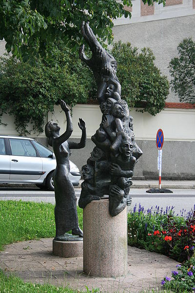 1997 Monument to those burned by Petrus Zwicker in Steyr in 1397. Steyrer Waldenserdenkmal.jpg