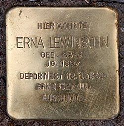 Photo of Erna Lewinsohn brass plaque