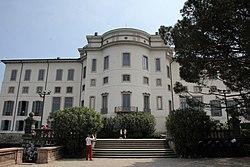 Stresa, isola Bella, palazzo Borromeo (04).jpg