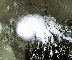 1998 Atlantic hurricane season - Image: TS Charley 22 aug 1998 0925Z