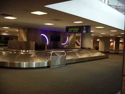 Baggage Claim area; Belt 5 is used by Southwest Airlines exclusively. TUS-Baggage Claim.JPG