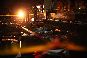 2010 Philippine Bar exam bombing - Police comb the debris for evidence