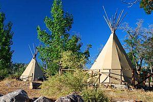 Lake Owyhee State Park - Wikipedia