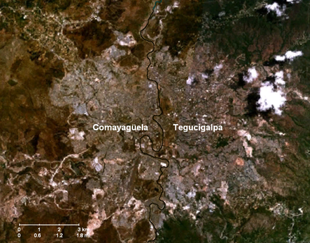 NASA satellite image showing the Choluteca River separating Tegucigalpa and Comayaguela Tegucigalpa-Comayaguela-Choluteca River.png